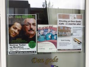 """""""Far""""-plakat fundet på ruden ved Røde Kors butikken i Tarm!"""